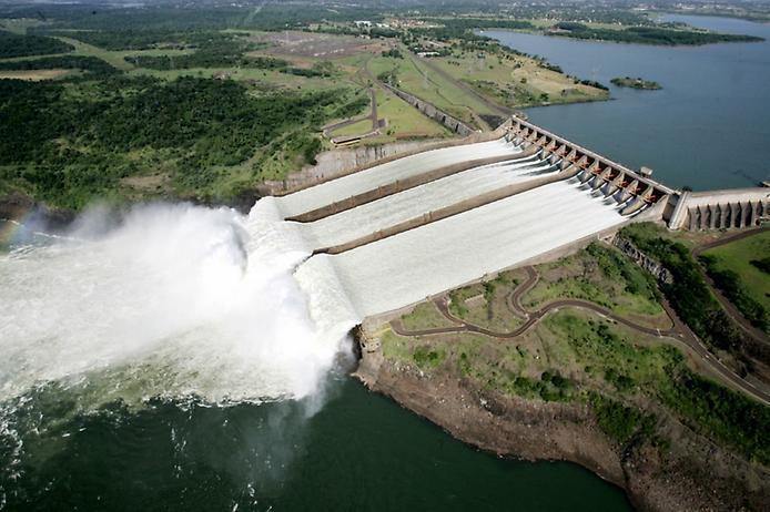 Itaipu-dam