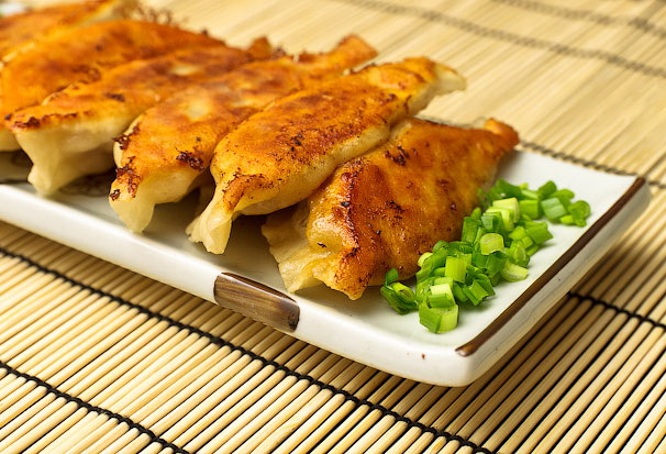 Рецепты горячих блюд из курицы на сковороде