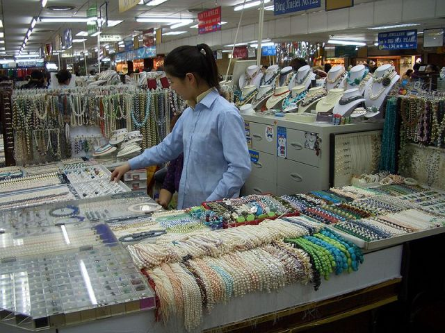 Жемчужный рынок Хунцяо
