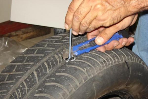 ремонт бескамерной шины 4