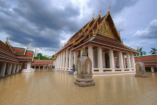 Храм Ват Сакет