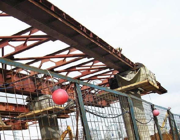 На пересечении МКАД и Каширского шоссе строят надземный переход
