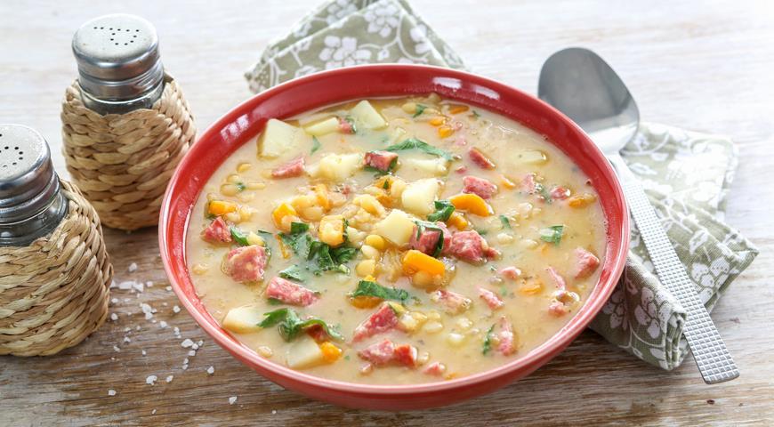 Гороховый суп с колбасой