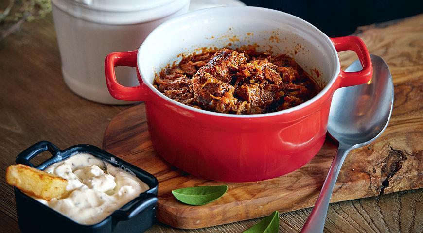 Кокинисто, мясное рагу с овощами